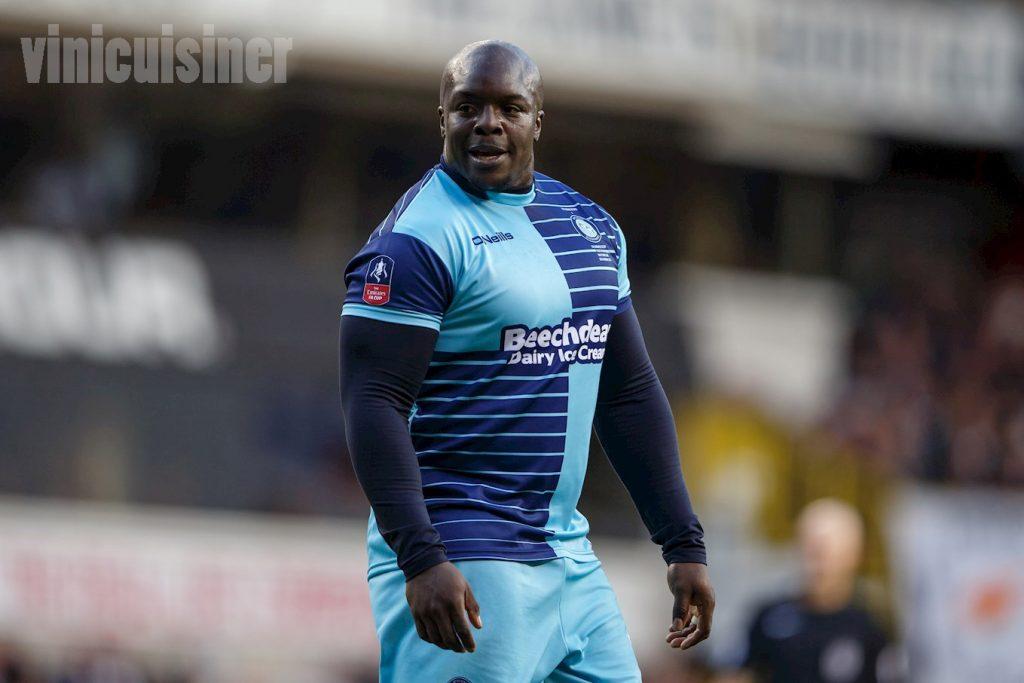 Adebayo Akinfenwa สร้างภาพลักษณ์ให้กับ Wycombe กว่า 150 ครั้งWycombe Wanderers ไปข้างหน้า Adebayo Akinfenwa กล่าวว่าเขาถูกเรียกซ้ำ ๆ ว่าบัฟฟาโล่น้ำ
