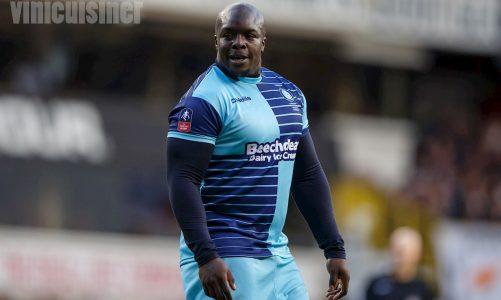 Adebayo Akinfenwa ถูกเรียกว่า Fat Water Buffalo