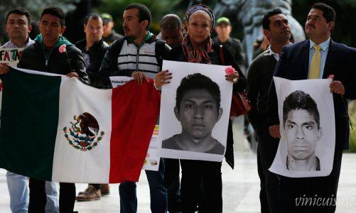 ผู้ปกครอง ของนักเรียนที่หายตัวไปในเม็กซิโกยังคงมีความหวัง