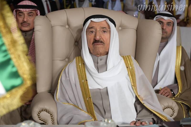 กษัตริย์ เชคซาบาห์อัล อาหมัดอัลจาเบอร์อัล ซาบาห์จักรพรรดิแห่งคูเวตเสียชีวิตแล้วด้วยวัย 91 ปีหลังจากปกครองรัฐอ่าวเป็นเวลา 14 ปี