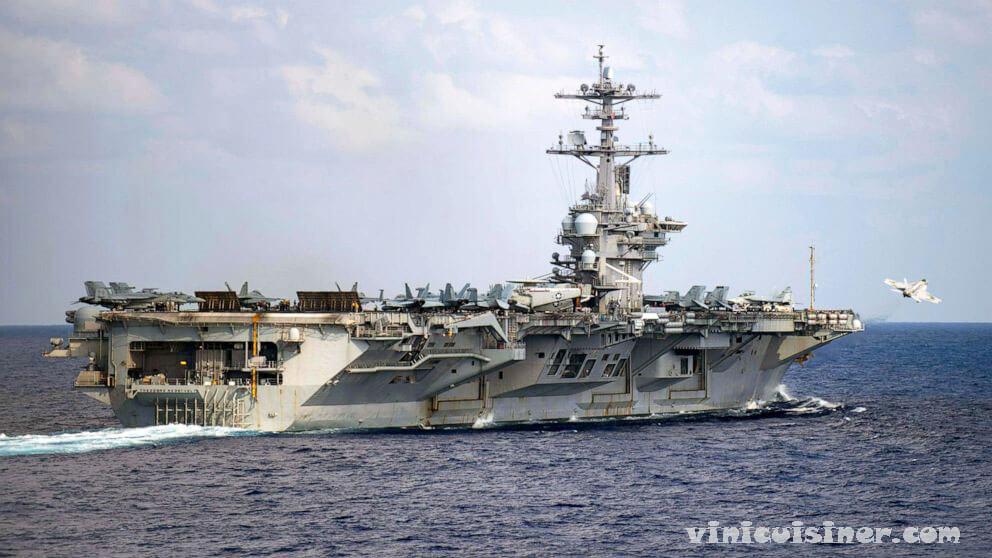 การค้นหาลูกเรือ ของกองทัพเรือที่ตกจากเรือ USS Roosevel  เจ้าหน้าที่กล่าวว่าการค้นหาลูกเรือของกองทัพเรืออายุ 20 ปีที่หายไปซึ่งเจ้าหน้าที่เชื่อ