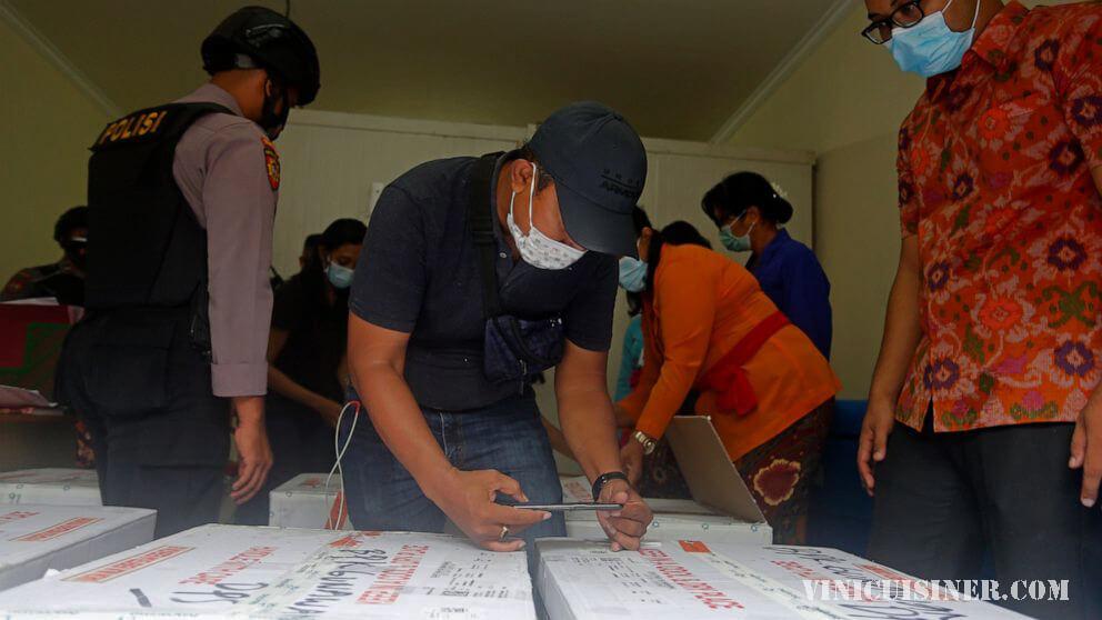อินโดนีเซียเริ่มฉีดวัคซีน COVID-19 ครั้งใหญ่กับประธานาธิบดี ประธานาธิบดีโจโกวิโดโดของชาวอินโดนีเซียเมื่อวันพุธที่ผ่านมาได้รับวัคซีนป้องกัน