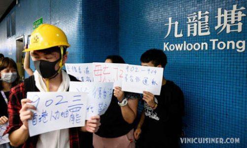 จีนปกป้องการใช้ Twitter Facebook ในการรณรงค์เรื่องไวรัส