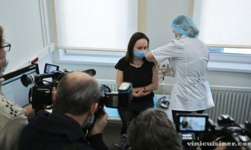 รัสเซียล้าหลังประเทศอื่น ในการผลักดันการฉีดวัคซีน