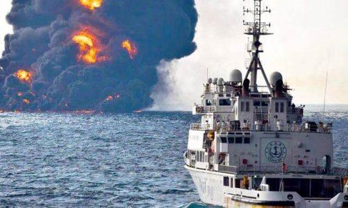 ทะเลคลื่นขวาง นักดำน้ำศรีลังกาตรวจสอบเรือที่กำลังจม
