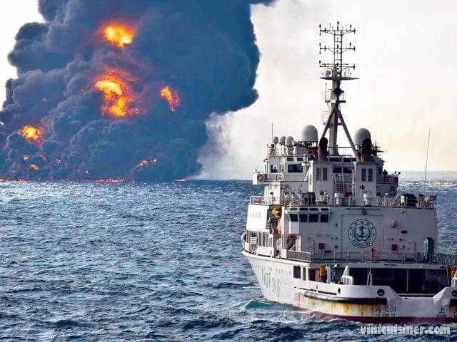 ทะเลคลื่นขวาง นักดำน้ำศรีลังกาตรวจสอบเรือที่กำลังจม ทะเลที่ขรุขระและทัศนวิสัยใต้น้ำที่ไม่ดีกำลังขัดขวางนักดำน้ำของกองทัพเรือที่พยายามตรวจจับ