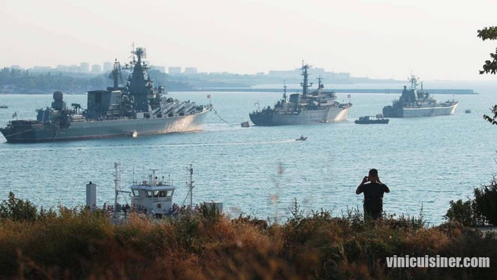ยูเครนและนาโตเปิดตัวการซ้อมรบในทะเลดำ ในวันจันทร์นี้ ซึ่งจะเกี่ยวข้องกับเรือรบหลายสิบลำ เป็นการซ้อมรบที่เกิดขึ้นหลังเหตุการณ์