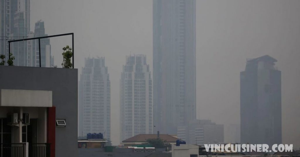 ศาลอินโดฯ ตัดสินประธานาธิบดีประมาทเรื่องมลพิษ ศาลชาวอินโดนีเซียตัดสินเมื่อวันพฤหัสบดีว่าประธานาธิบดีโจโค วิโดโดและเจ้าหน้าที่ระดับสูงอีก 6 คน
