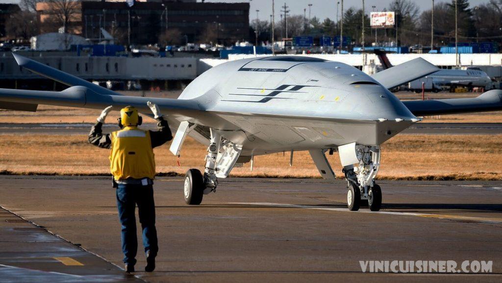Boeing จะสร้างเครื่องบินกองทัพเรือที่ MidAmerica บริษัทโบอิ้งบริษัทยักษ์ใหญ่ด้านการบินและอวกาศในชิคาโก จะลงทุน 200 ล้านดอลลาร์เพื่อเริ่มผลิต