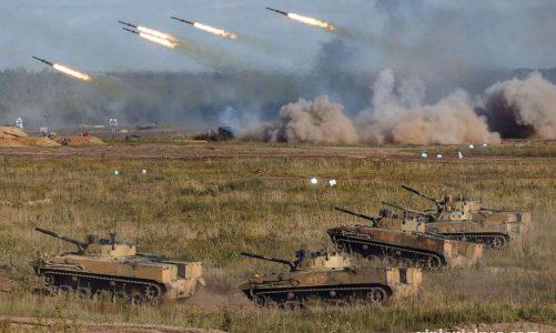 ปูตินชมการแสดงพลังยิงมหาศาลระหว่างเกมสงครามซาปาด